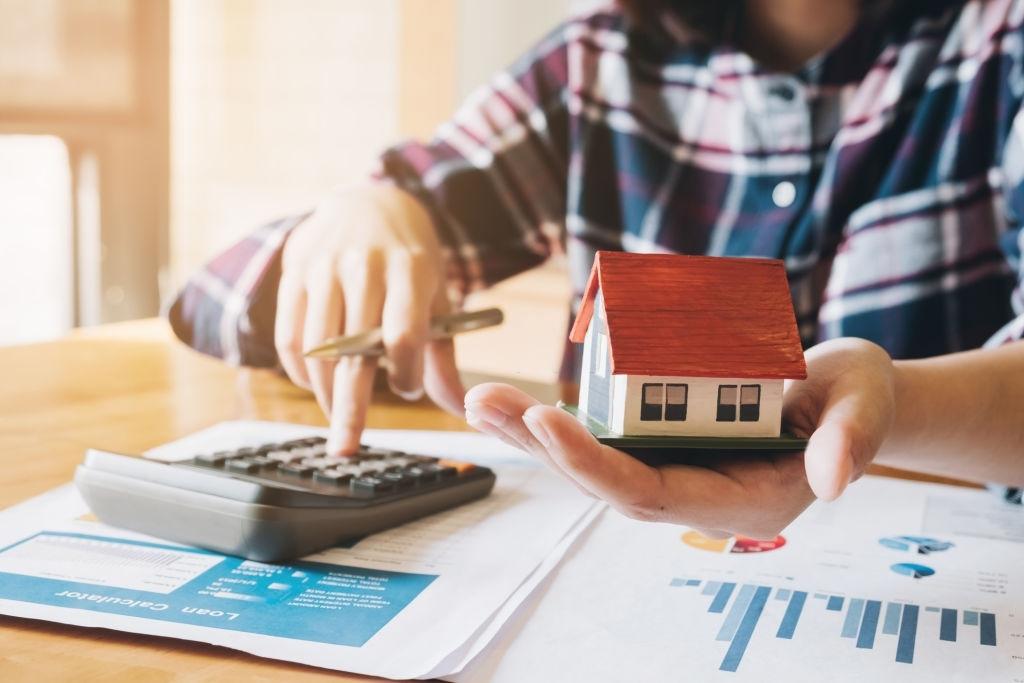 Nên mua nhà xây sẵn và mua đất xây nhà để có lợi về sau? - Ảnh 1.