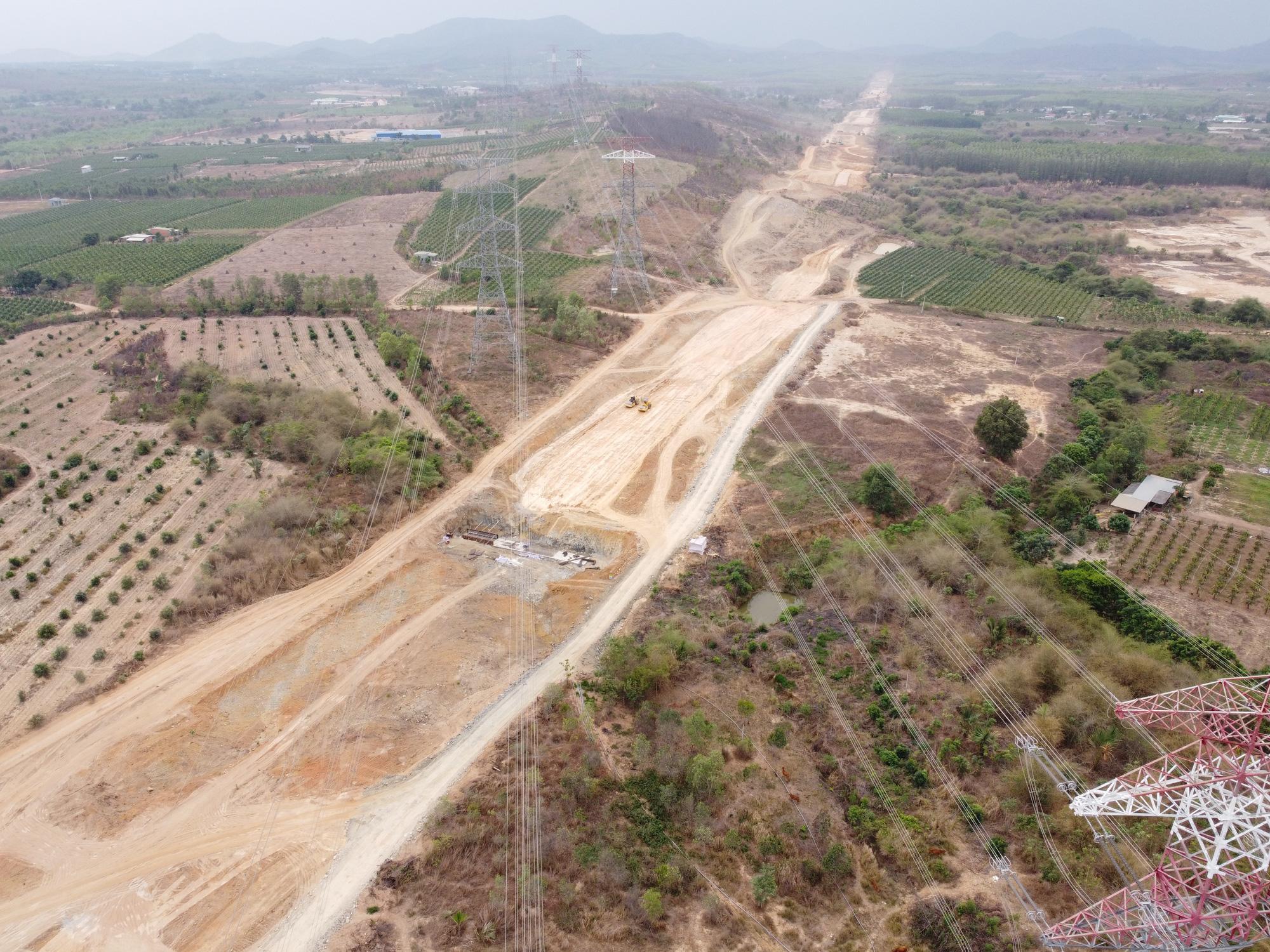 Bình Thuận dứt điểm GPMB Dự án đường bộ cao tốc Bắc – Nam phía Đông qua địa bàn  - Ảnh 2.