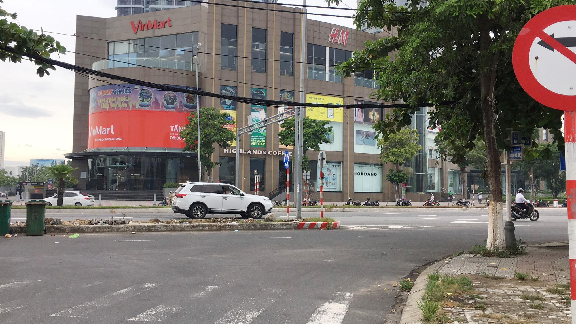 Cận cảnh hai khu đất sát Vincom Đà Nẵng sẽ đấu giá làm bãi đỗ xe - Ảnh 11.