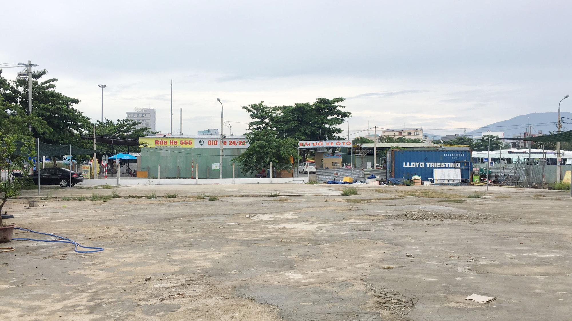 Cận cảnh hai khu đất sát Vincom Đà Nẵng sẽ đấu giá làm bãi đỗ xe - Ảnh 8.