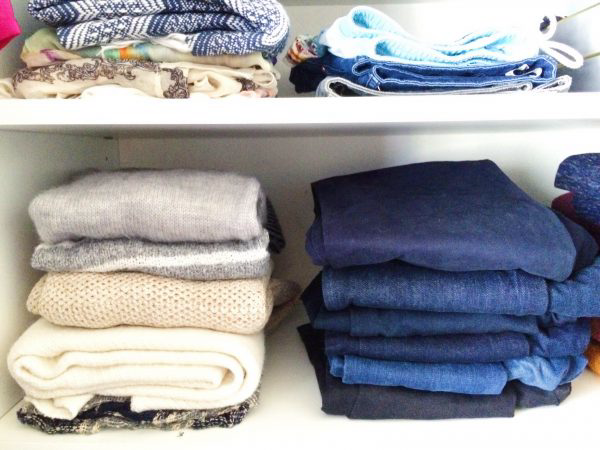 Mách bạn 5 cách sắp xếp tủ quần áo thông minh nhất - Ảnh 3.