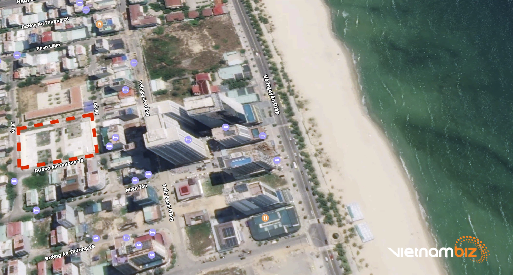 Cận cảnh hai khu đất sát bãi biển Mỹ Khê, Đà Nẵng sẽ đấu giá làm bãi đỗ xe - Ảnh 11.
