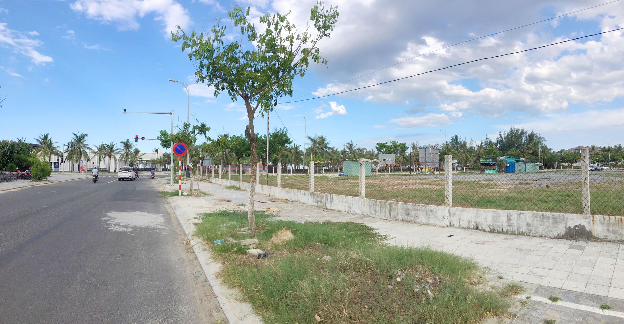 Cận cảnh hai khu đất sát bãi biển Mỹ Khê đẹp nhất Đà Nẵng sẽ đấu giá làm bãi đỗ xe - Ảnh 5.