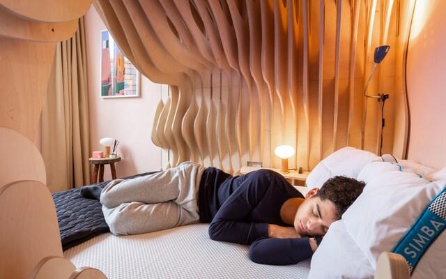 Phòng ngủ tổ kén độc lạ, thiết kế hoàn hảo cho một giấc ngủ ngon - Ảnh 4.