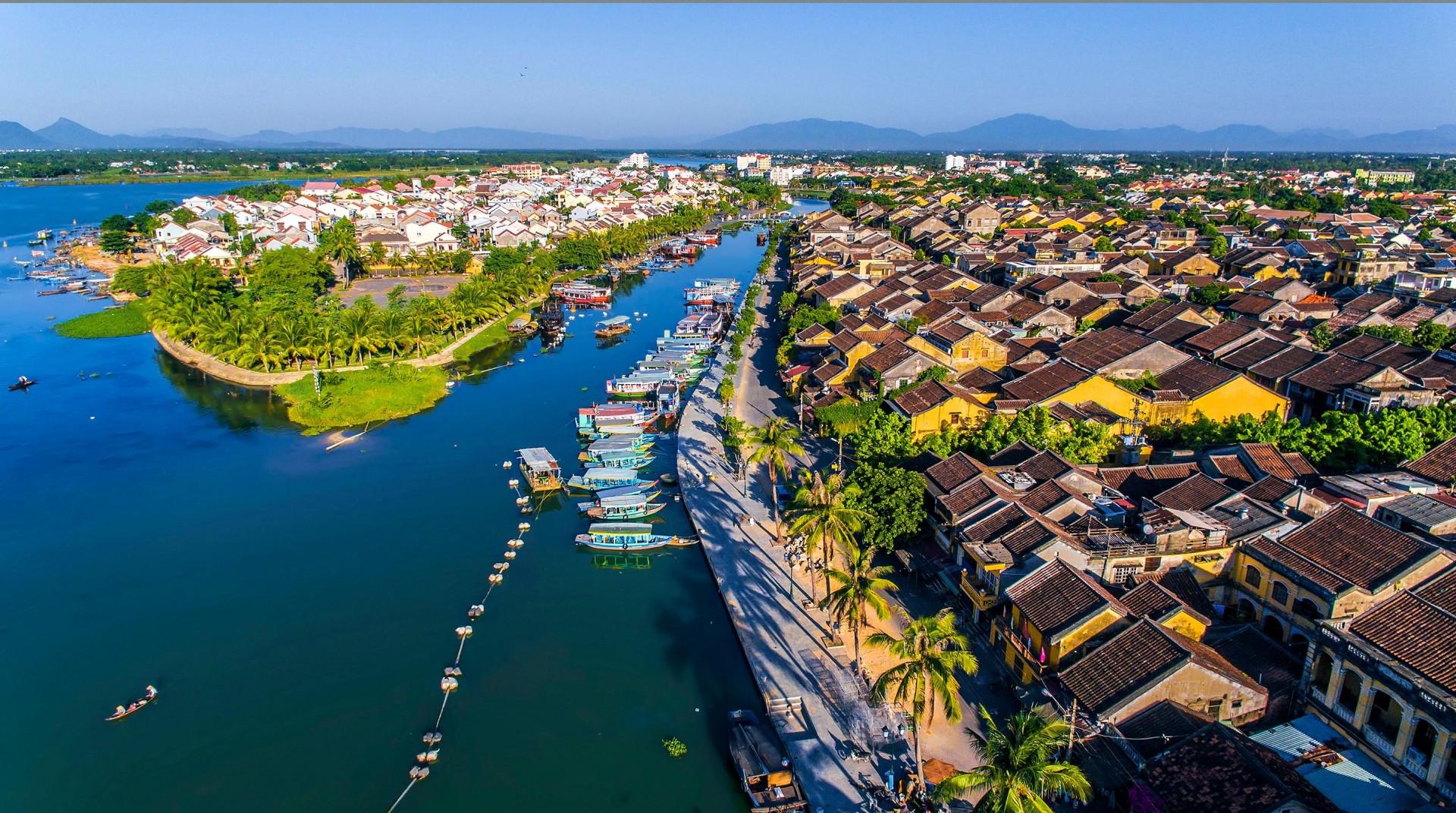 Hơn 5.700 tỷ đồng đang chảy vào 59 dự án giao thông này tại Quảng Nam năm 2021, có đường đi cảng Kỳ Hà và sân bay Chu Lai - Ảnh 1.