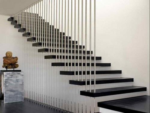 Có nên dùng gạch lát cầu thang trong nhà hay không? - Ảnh 1.