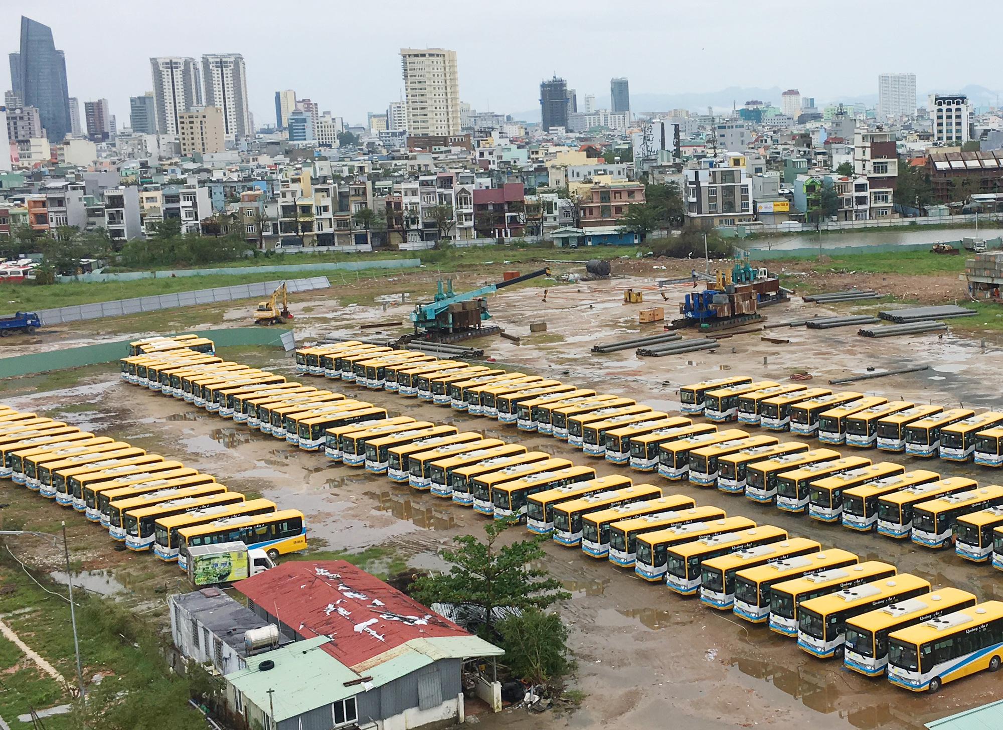 Đà Nẵng sẽ đấu giá loạt khu đất vàng làm bãi đỗ xe - Ảnh 1.