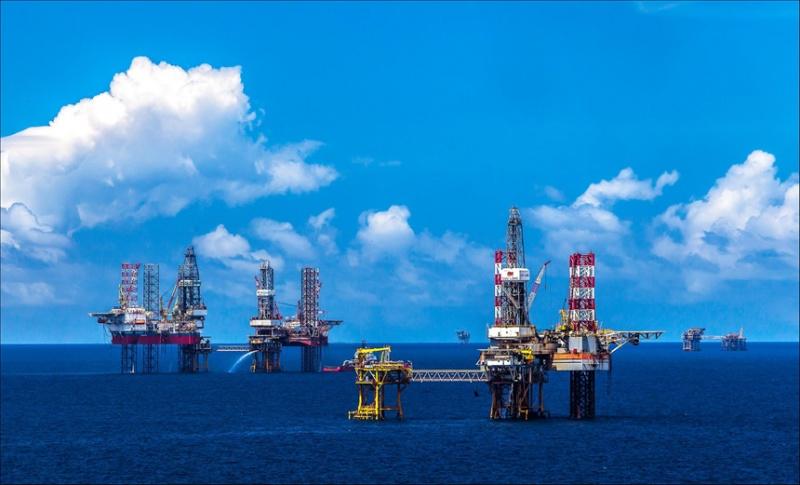 Tập đoàn Dầu khí Việt Nam lãi gần 145.000 tỷ đồng sau 5 tháng, tập trung mở rộng nhà máy Lọc dầu Dung Quất - Ảnh 1.