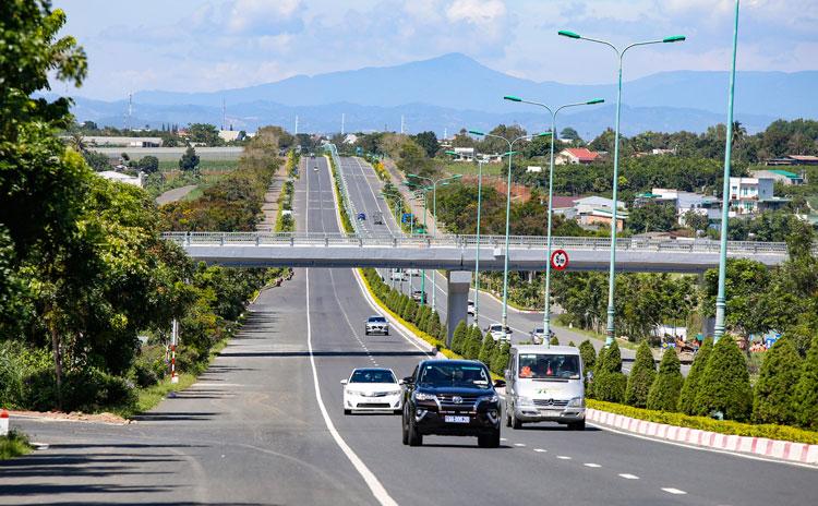 Hơn 8.000 tỷ đồng đang chảy vào 116 dự án giao thông này tại Lâm Đồng giai đoạn 2021 - 2024, có đường nối Ninh Thuận và Đắk Lắk - Ảnh 1.