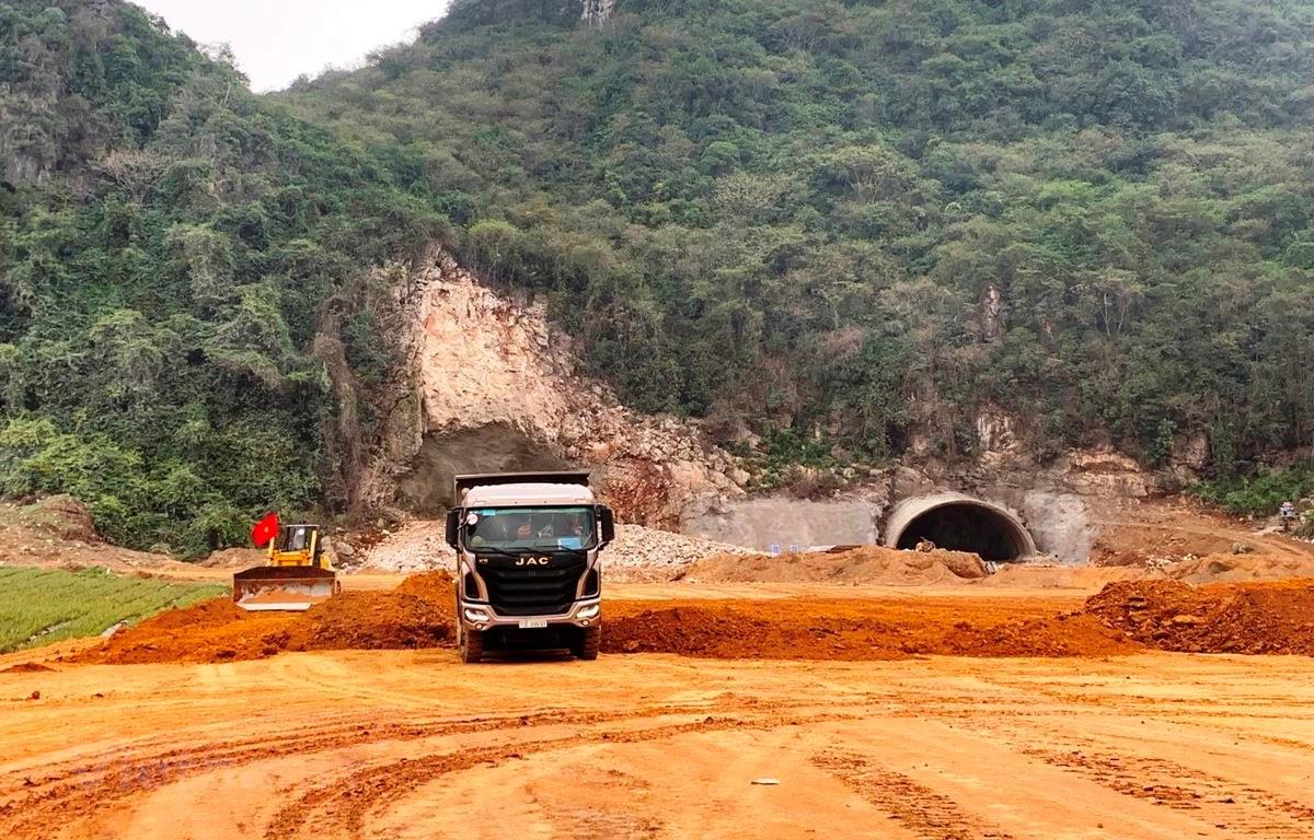 Bộ Giao thông Vận tải đốc thúc tiến độ giải ngân vốn đầu tư công - Ảnh 1.