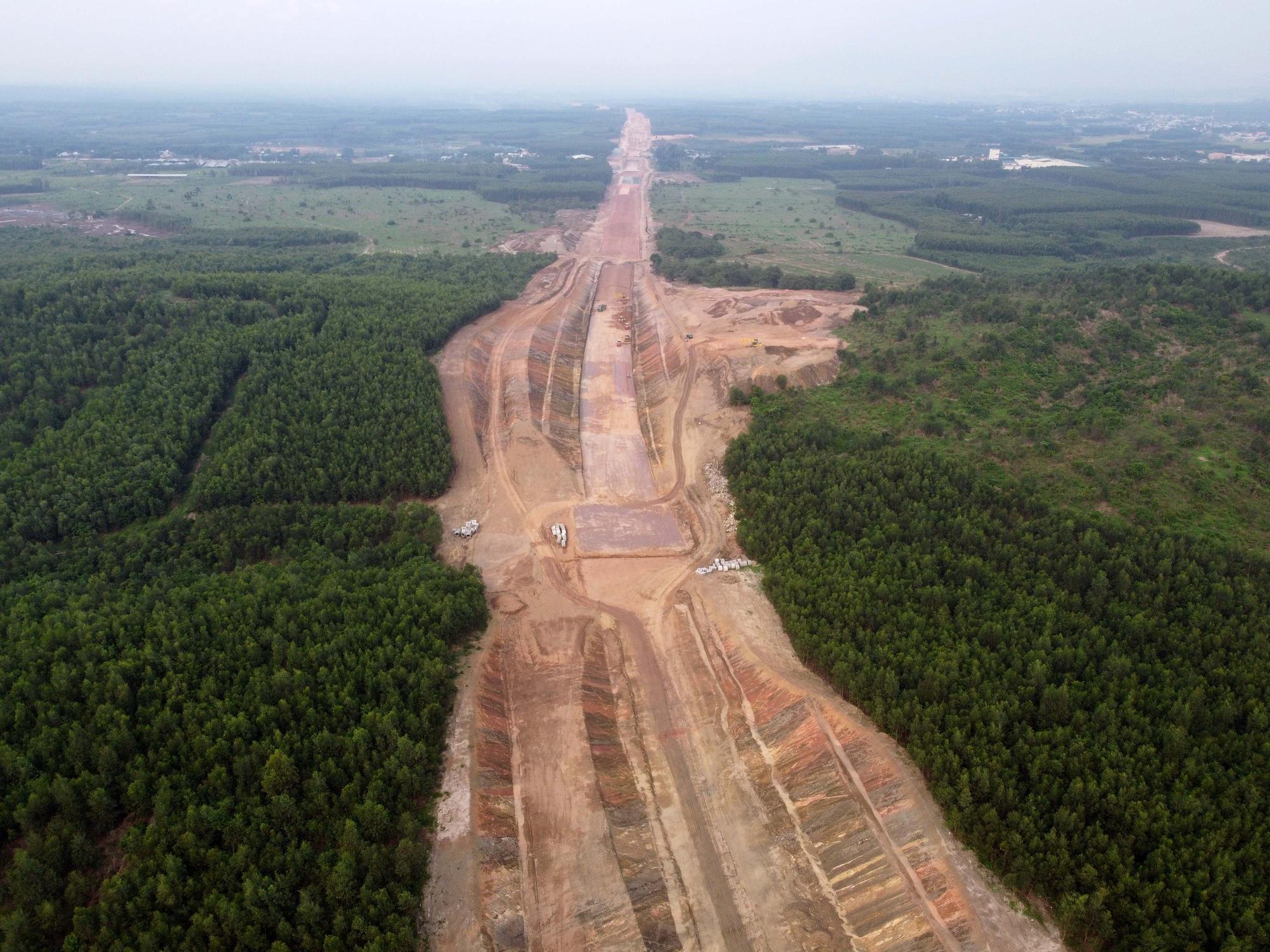 Cao tốc Bắc – Nam đoạn qua tỉnh Khánh Hòa thiếu nguồn vật liệu san lấp nền - Ảnh 1.
