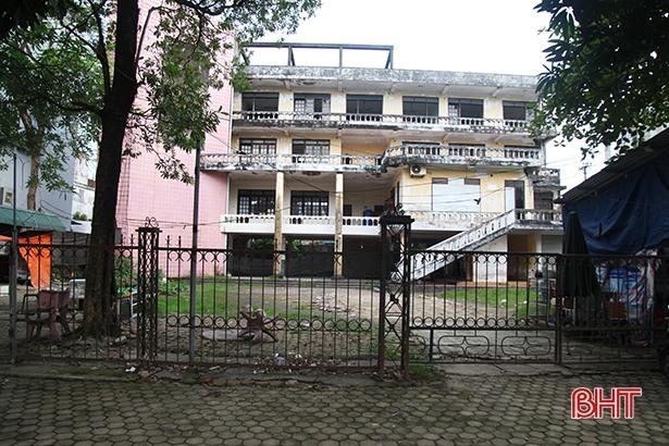 Trụ sở cũ Tỉnh đoàn Hà Tĩnh được bán đấu giá hơn 39 tỷ đồng - Ảnh 1.