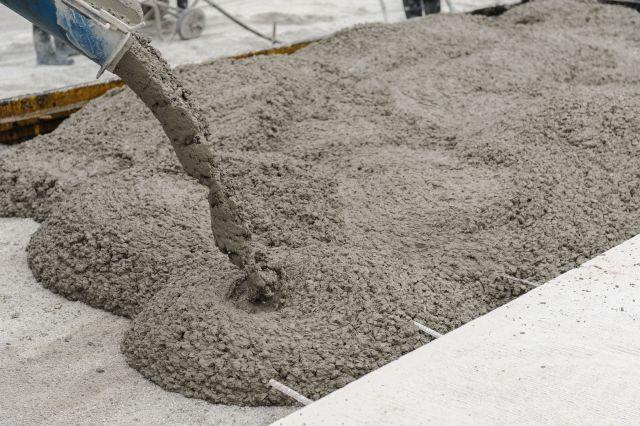 Có nên dùng keo dán gạch khi lát sàn? So sánh keo dán gạch và xi măng - Ảnh 2.