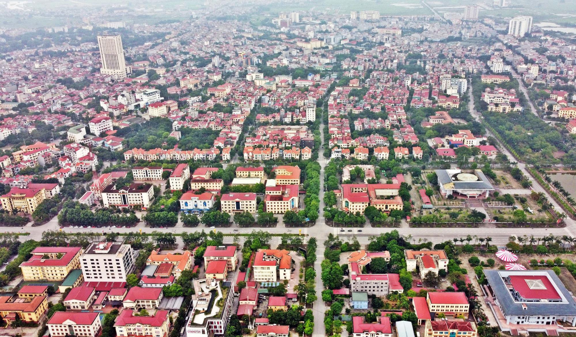 Thị trường bất động sản sẽ ra sao nếu Đà Nẵng, Bắc Ninh,  Hà Nam... sáp nhập? - Ảnh 1.