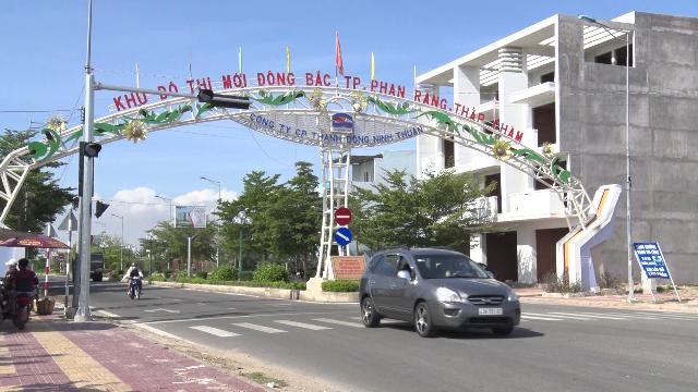 Tiến độ hai dự án nhà ở hơn 2.000 tỷ đồng trong KĐT Đông Bắc tại Ninh Thuận - Ảnh 1.