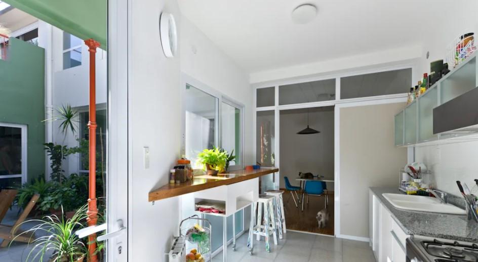 Gợi ý thiết kế nhà bếp tiết kiệm chi phí theo phong cách hiện đại - Ảnh 5.