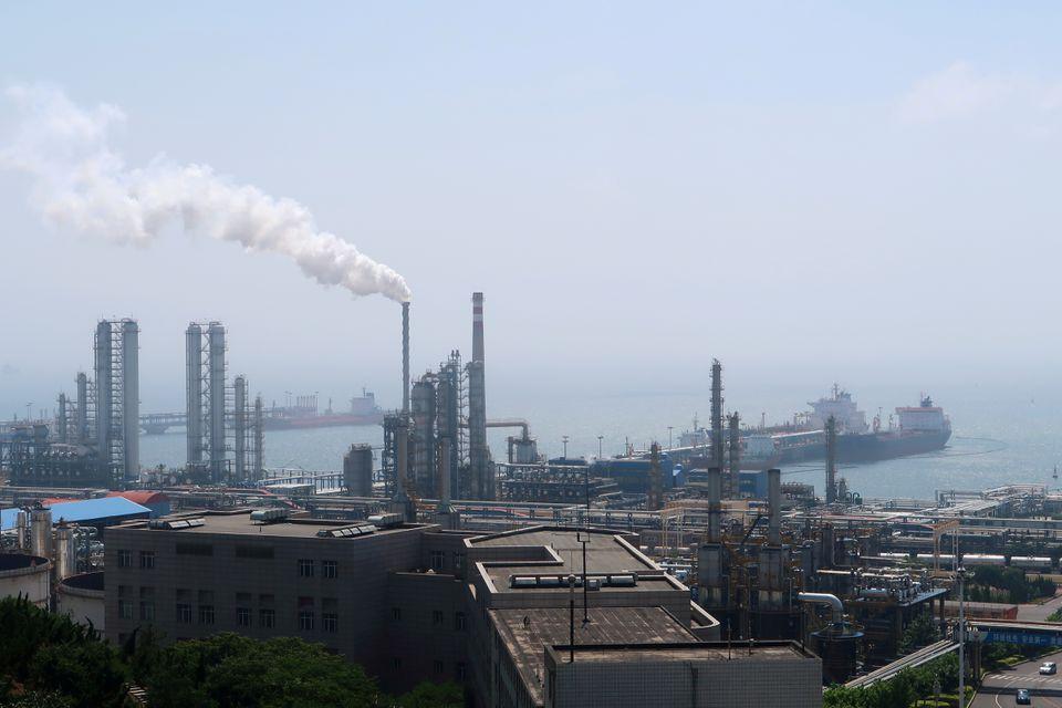 Giá xăng dầu hôm nay 26/7: Ổn định nhờ kỳ vọng nền kinh tế phục hồi - Ảnh 1.