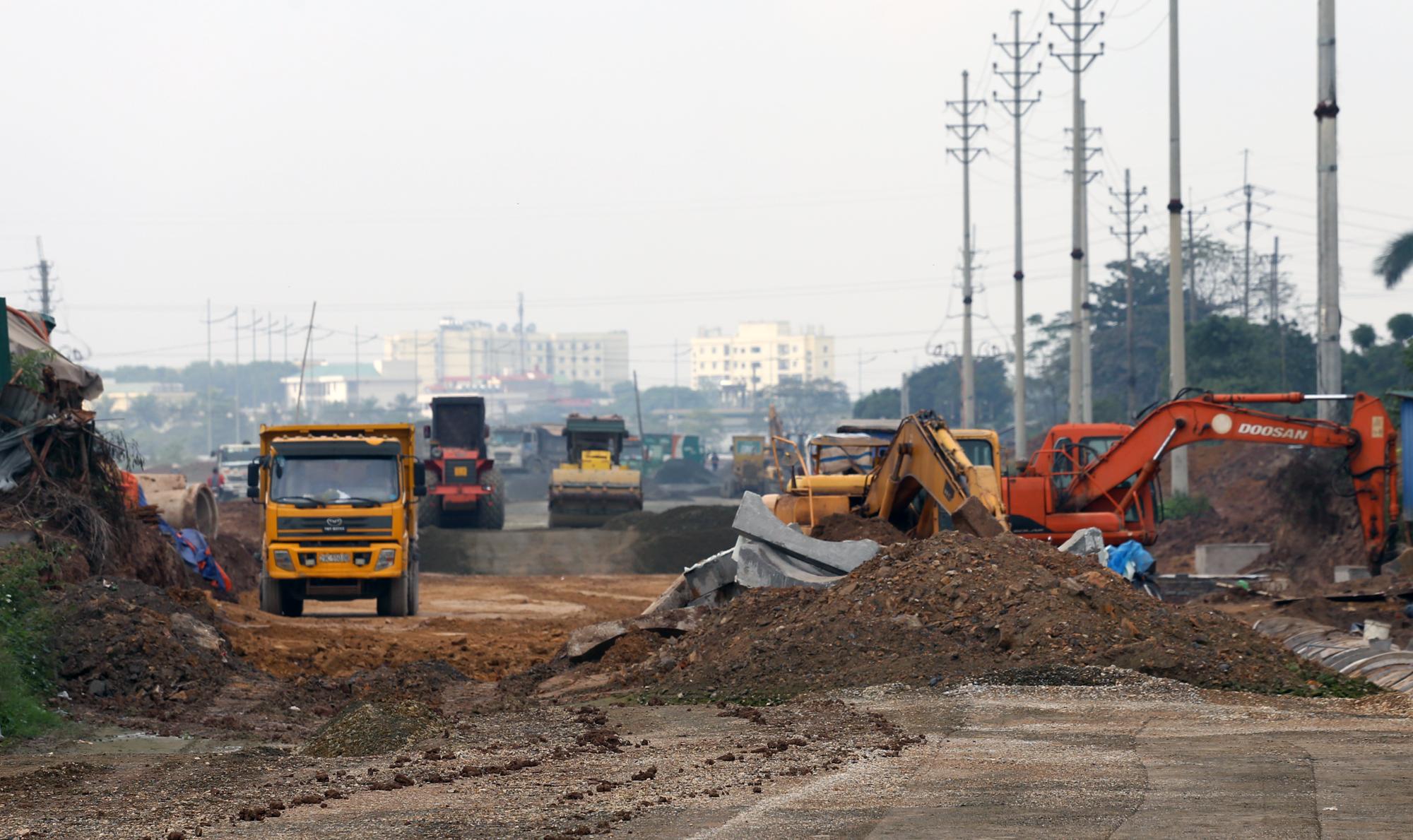 Ký kết hợp đồng BOT cao tốc Bắc-Nam, đoạn Cam Lâm – Vĩnh Hảo - Ảnh 1.