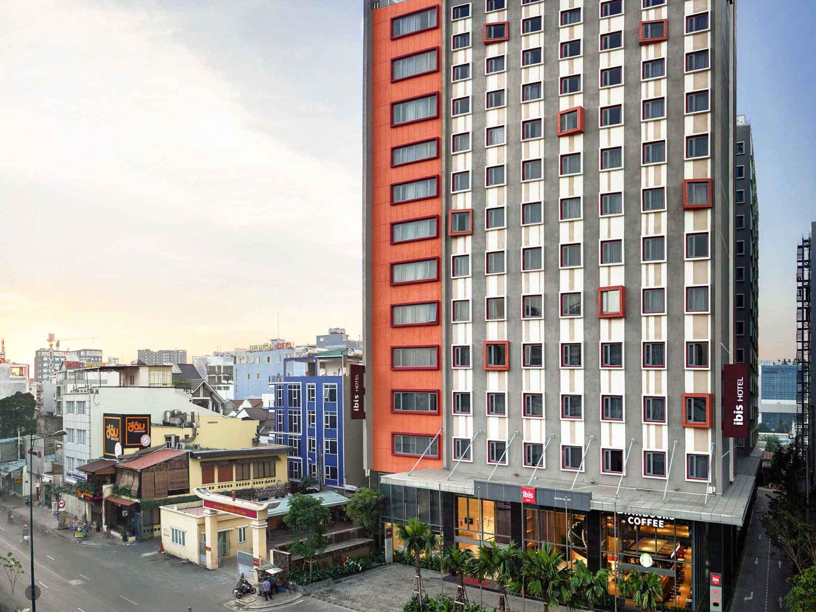 Khách sạn tại TP HCM rao bán khắp nơi, chủ đầu tư kiệt quệ - Ảnh 4.