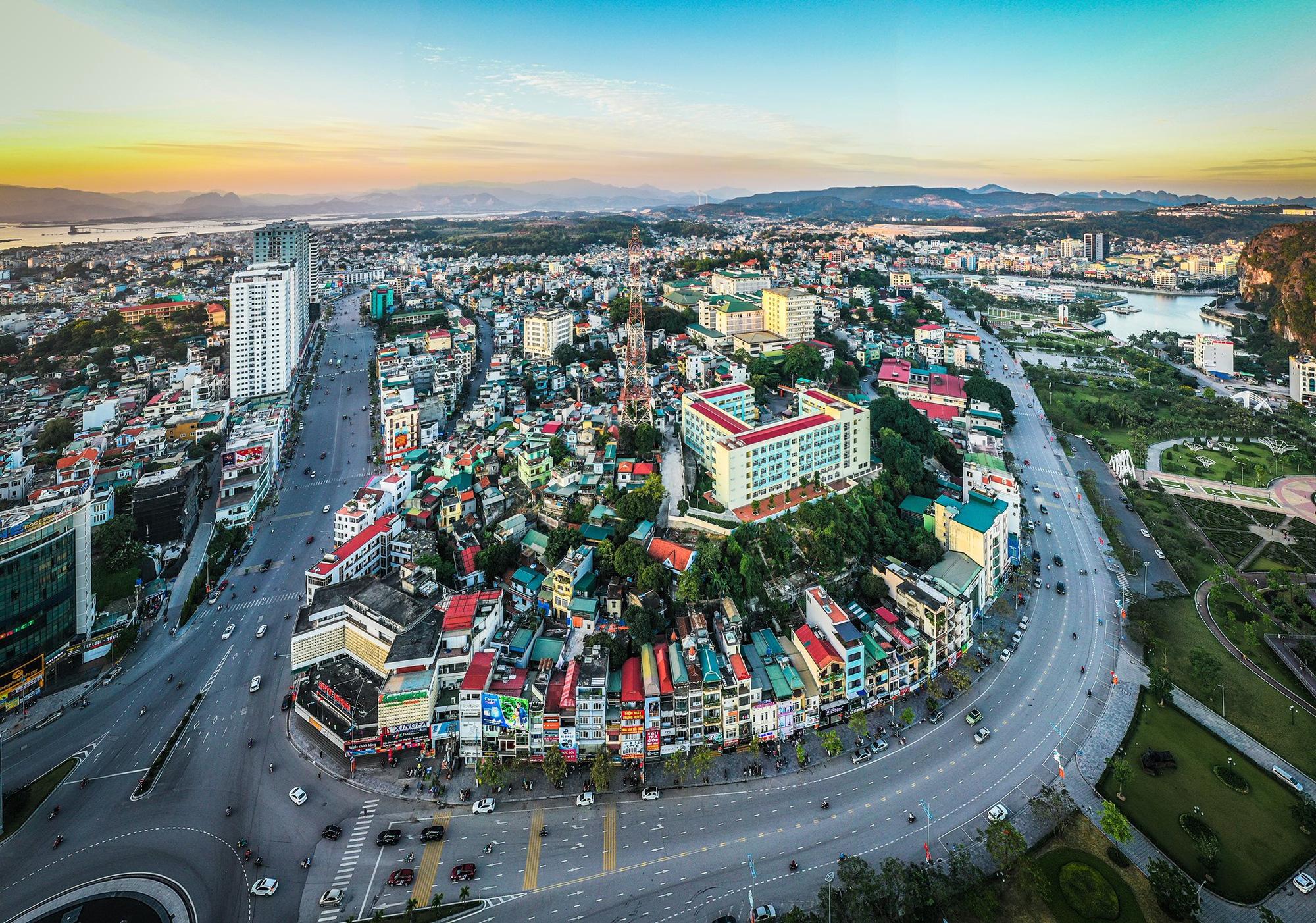 Quảng Ninh hủy hàng loạt quy hoạch dự án nghỉ dưỡng, khu đô thị tại Vân Đồn, Hạ Long - Ảnh 1.