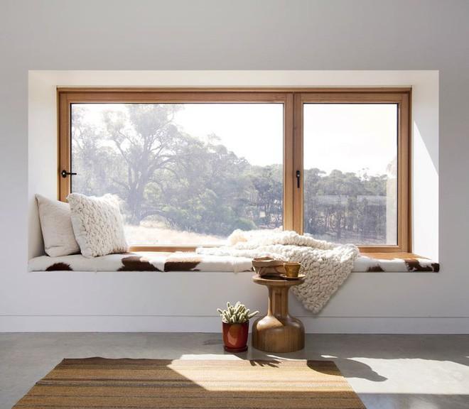 Gợi ý cách thiết kế chỗ ngồi bên cửa sổ thoải mái nhất - Ảnh 1.