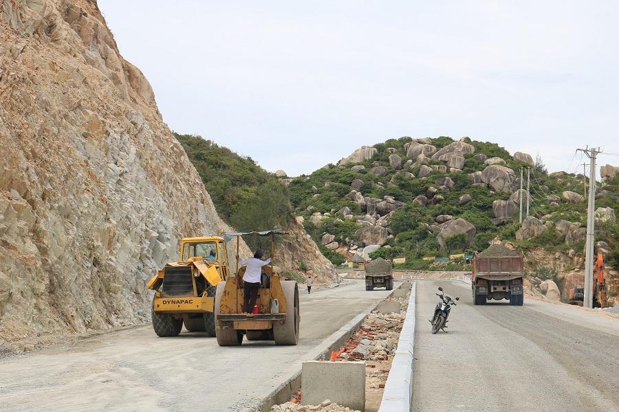 Bình Định thúc tiến độ dự án đường ven biển hơn 2.600 tỷ đồng - Ảnh 2.