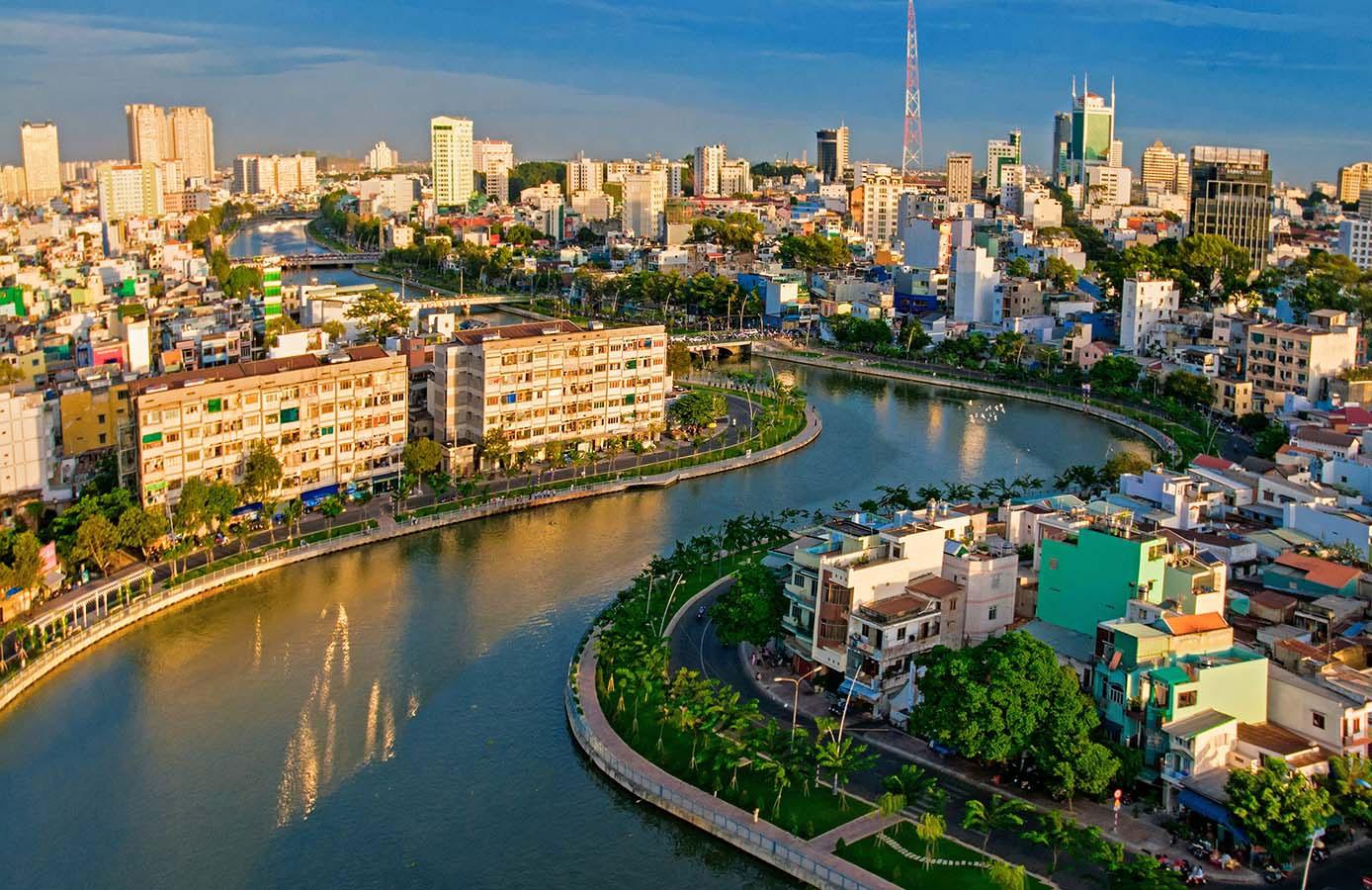 Bất động sản đã tác động đến quá trình đô thị hóa của TP HCM ra sao? - Ảnh 7.