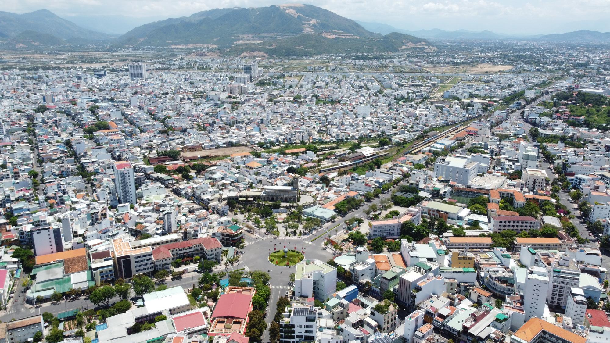 Khánh Hòa sẽ di dời ga Nha Trang và bổ sung bến du thuyền quốc tế trên đảo Hòn Tre - Ảnh 3.