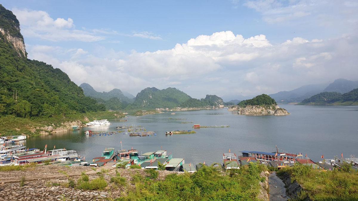 Tập đoàn FLC muốn khởi công khu du lịch 981 ha tại Hòa Bình trong năm 2022 - Ảnh 1.