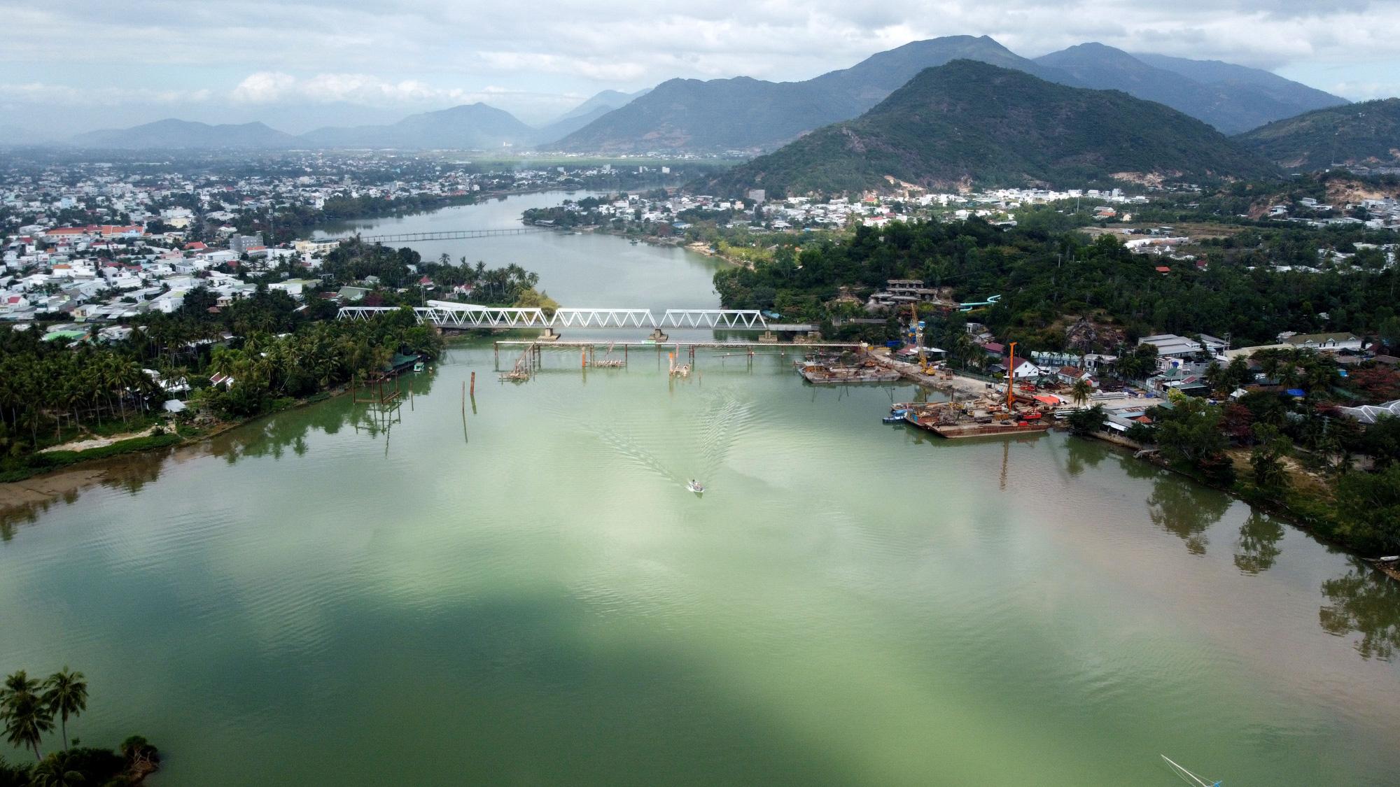 Khánh Hòa sẽ di dời ga Nha Trang và bổ sung bến du thuyền quốc tế trên đảo Hòn Tre - Ảnh 4.
