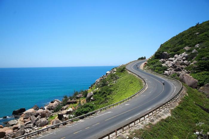 Bình Định duyệt báo cáo dự án đường ven biển gần 2.700 tỷ đồng - Ảnh 1.