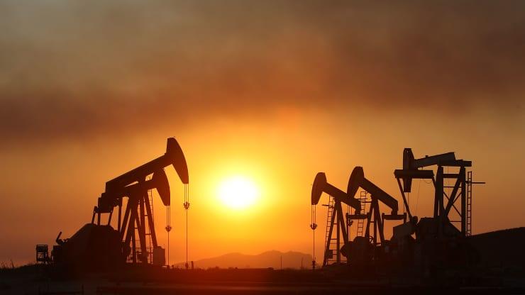 Giá xăng dầu hôm nay 15/9: Giá dầu tiếp tục tăng do bão nhiệt đới tấn công vịnh Mexico - Ảnh 1.