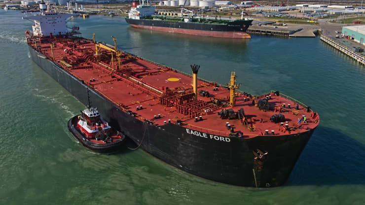 Giá xăng dầu hôm nay 16/9: Giá dầu tiếp tục tăng do hàng tồn kho của Mỹ giảm - Ảnh 1.