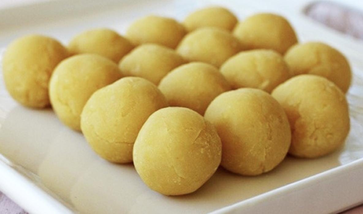 Tham khảo 3 cách làm bánh Trung thu không cần lò nướng đơn giản - Ảnh 2.