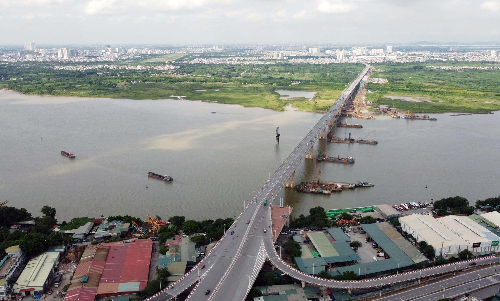 Hình ảnh dự án giao thông trọng điểm của Hà Nội thi công khi giãn cách xã hội - Ảnh 1.