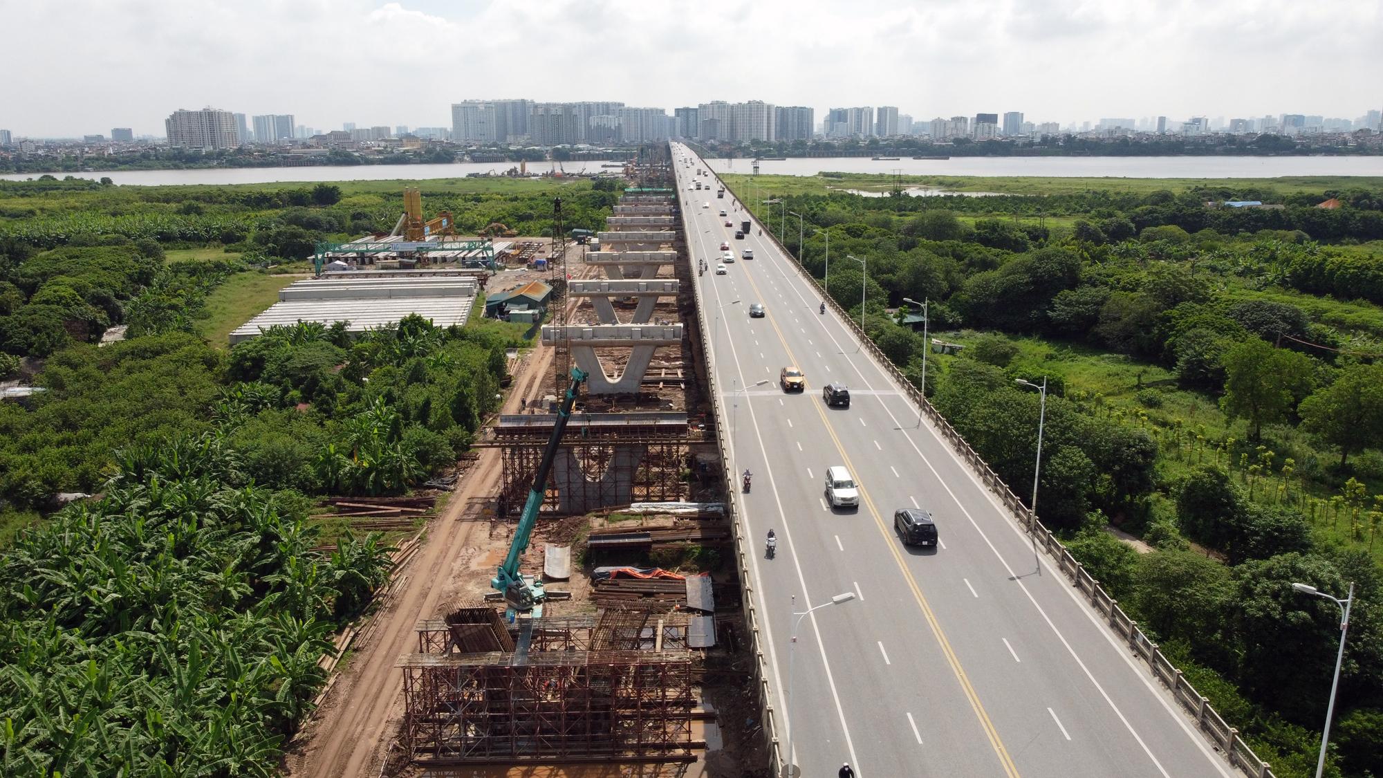 Hình ảnh dự án giao thông trọng điểm của Hà Nội thi công khi giãn cách xã hội - Ảnh 2.