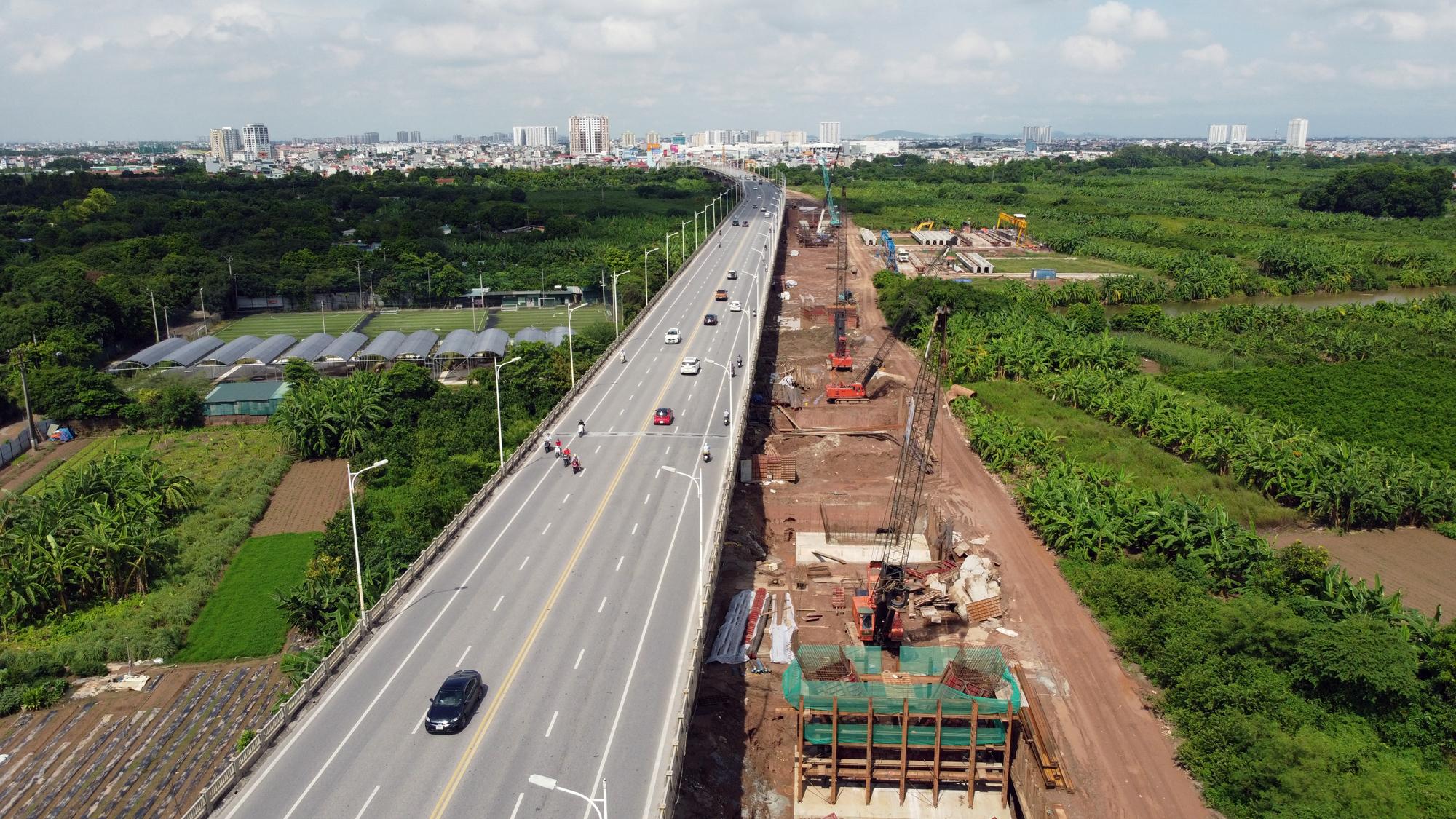 Hình ảnh dự án giao thông trọng điểm của Hà Nội thi công khi giãn cách xã hội - Ảnh 3.