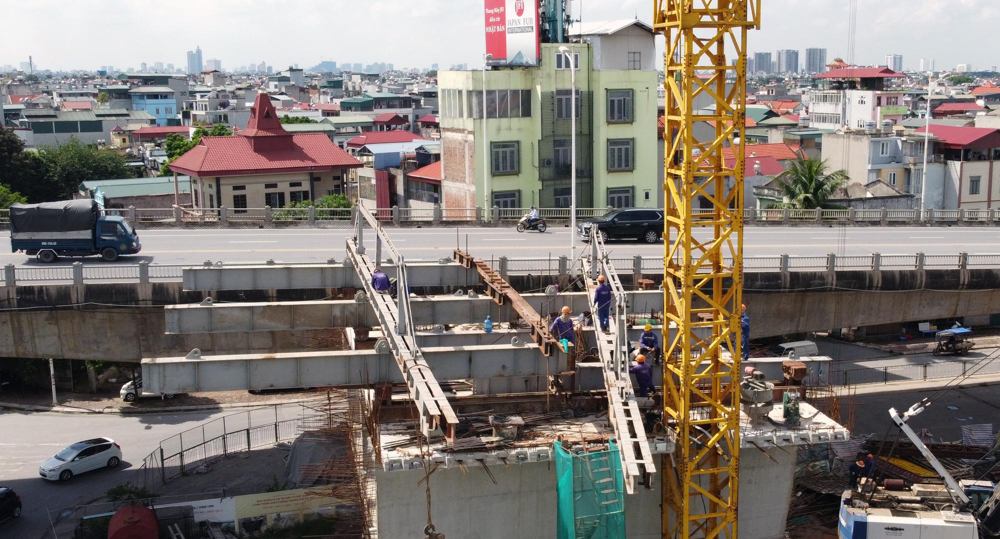 Hình ảnh dự án giao thông trọng điểm của Hà Nội thi công khi giãn cách xã hội - Ảnh 7.