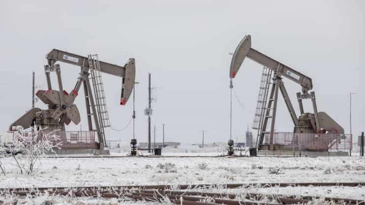 Giá xăng dầu hôm nay 17/9: Giá dầu tiếp tục đà tăng nhờ vào nguồn cung ổn định - Ảnh 1.