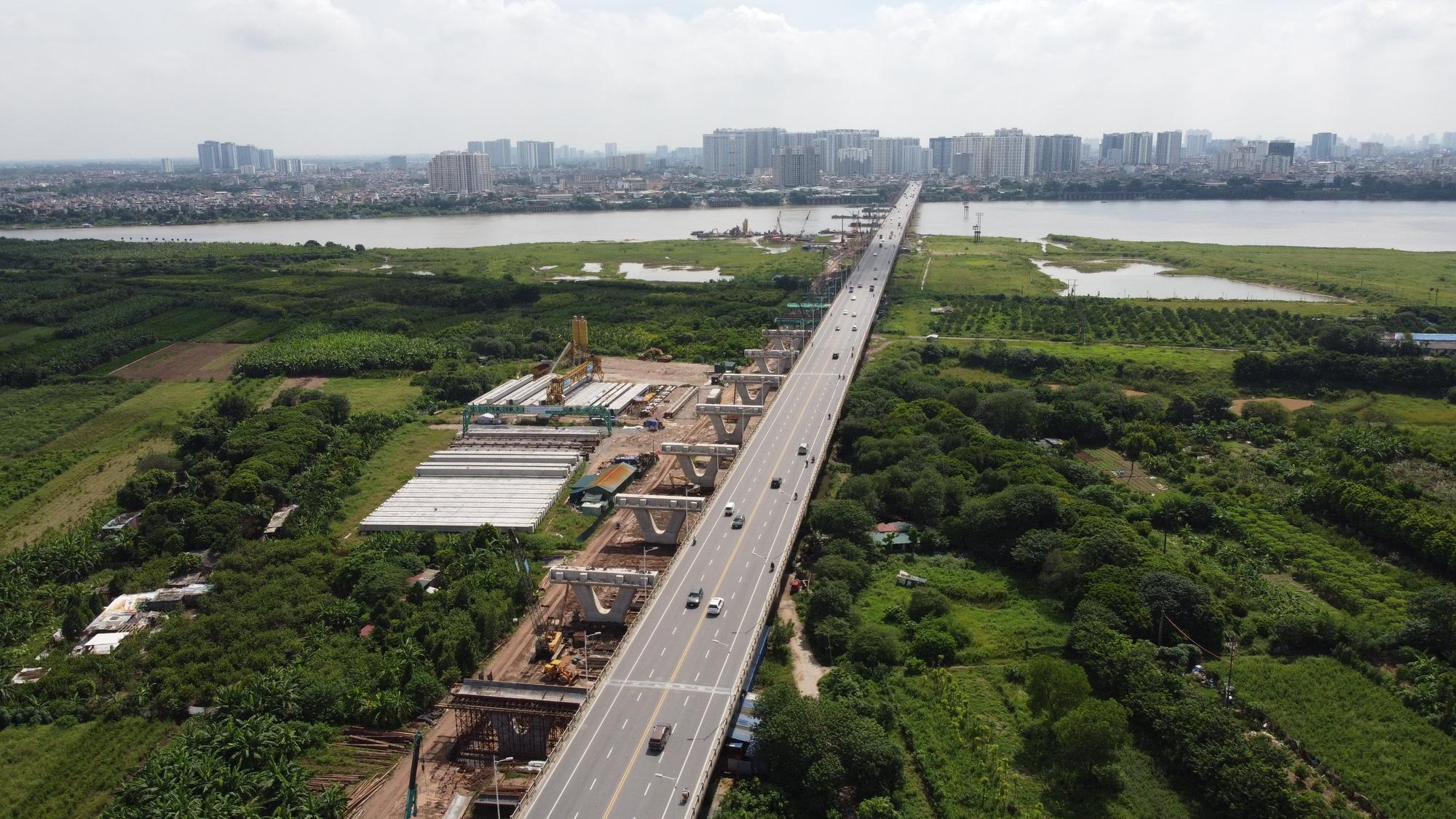 [Infographic] Ngoài cầu Trần Hưng Đạo, Hà Nội sẽ xây thêm bao nhiêu cầu vượt sông Hồng? - Ảnh 2.