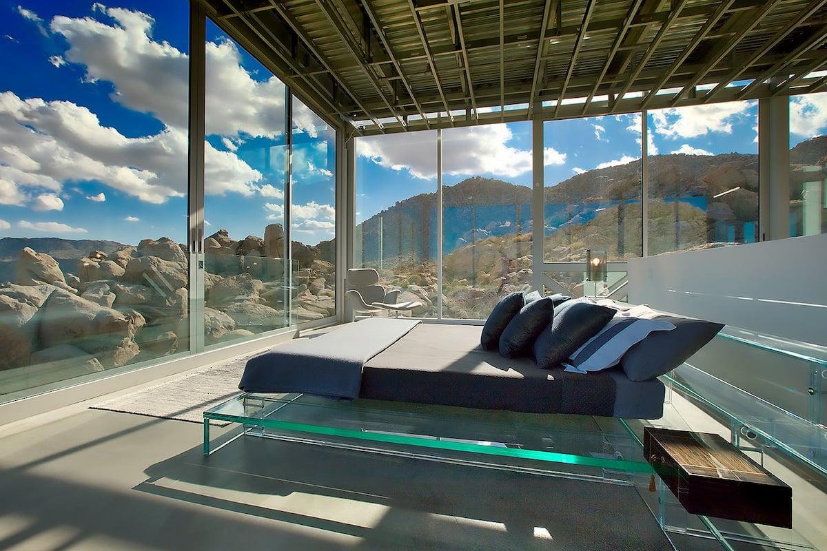 Khám phá ngôi nhà 'vô hình' giữa vùng sa mạc rộng lớn ở Mỹ - Ảnh 4.