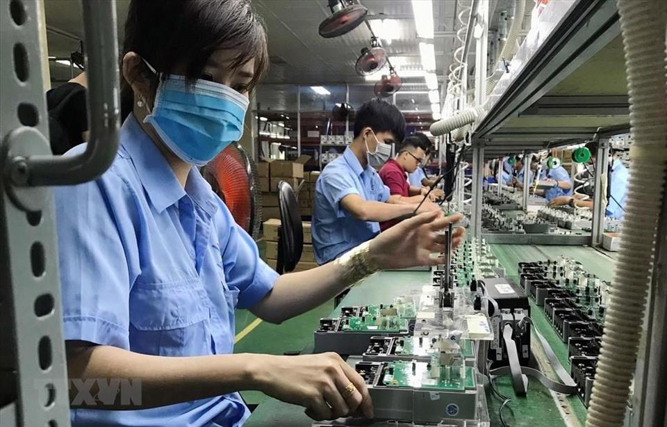 Cục Đầu tư nước ngoài cảnh báo nguy cơ vốn FDI dịch chuyển khỏi Việt Nam nếu đóng cửa nhà máy kéo dài - Ảnh 1.