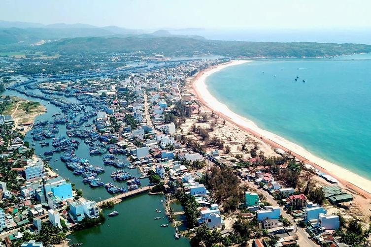 Bình Định tăng diện tích đất xây dựng đô thị Hoài Nhơn lên gần 3.000 ha