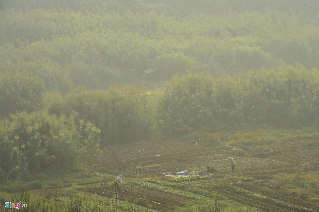 Hà Nội mù mịt trong ngày chỉ số ô nhiễm không khí cao kỉ lục - Ảnh 10.