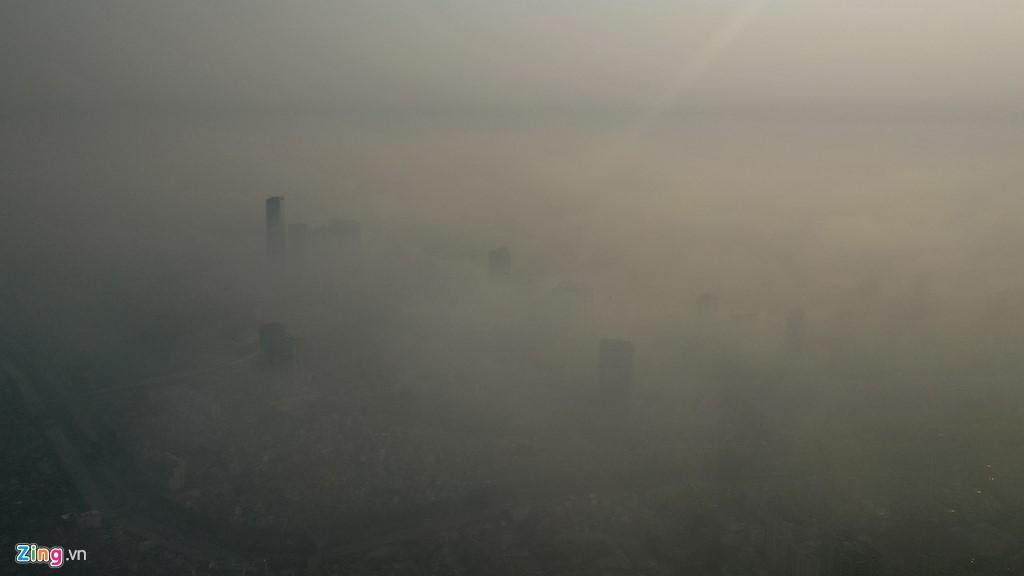 Hà Nội mù mịt trong ngày chỉ số ô nhiễm không khí cao kỉ lục - Ảnh 12.