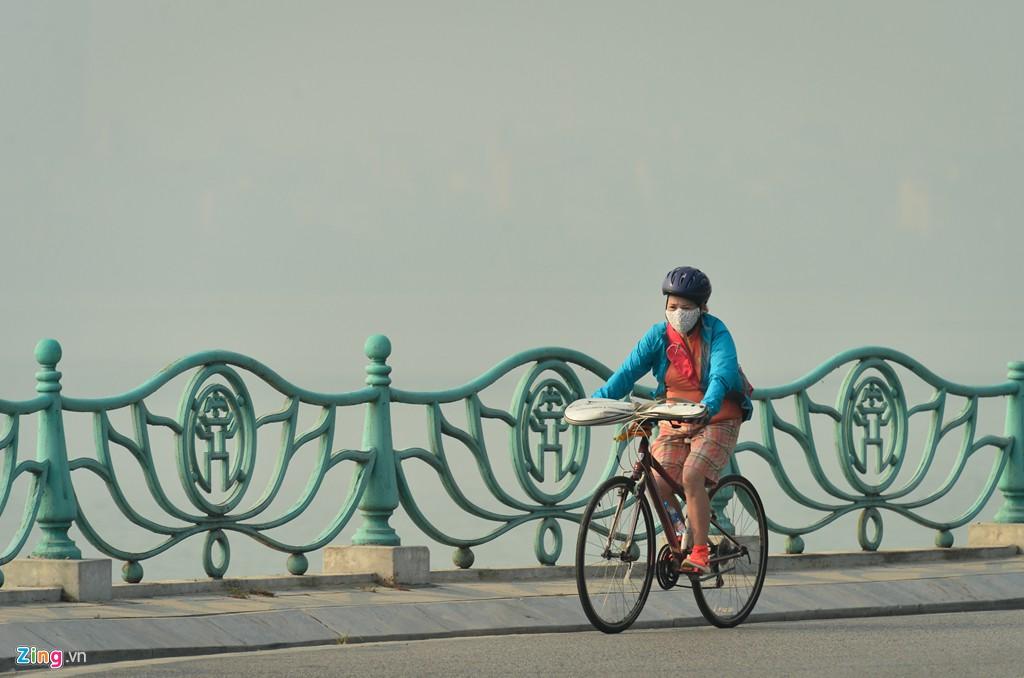Hà Nội mù mịt trong ngày chỉ số ô nhiễm không khí cao kỉ lục - Ảnh 5.