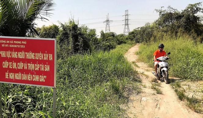 TP HCM 'trảm' 58 công trình xây không phép trong Khu công nghiệp Phong Phú - Ảnh 1.
