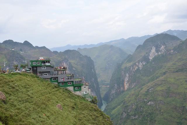 Công trình Mã Pì Lèng Panorama bất ngờ được phủ xanh - Ảnh 1.