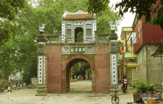 Lão gia giàu nứt vách ẩn mình trong ngôi làng cổ 800 tuổi ở Bắc Giang - Ảnh 1.