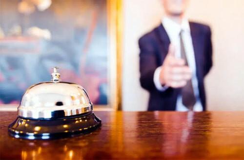 Điều không ngờ khi lịch sự với nhân viên khách sạn - Ảnh 1.